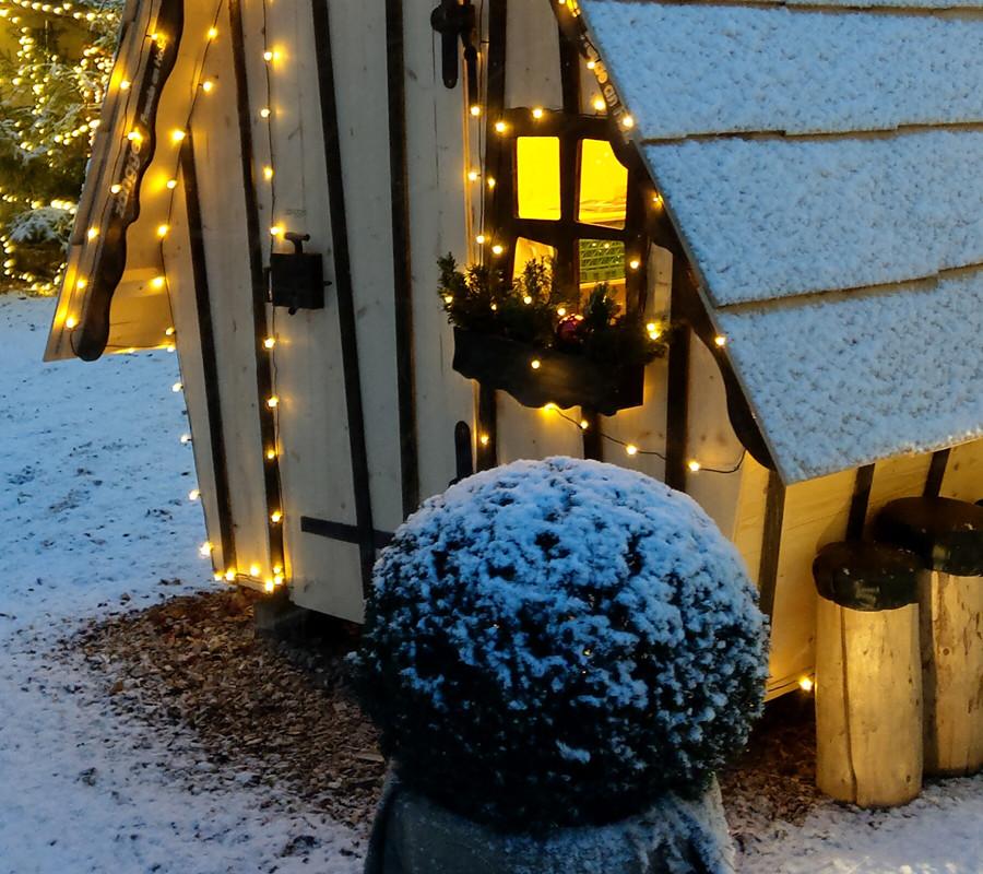 Weihnachtsweg, Glühweinhäuschen, Zelgli Träff